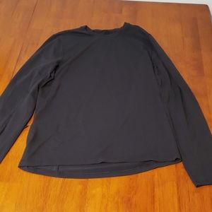 Lululemon long sleeved Tee (with pockets!)